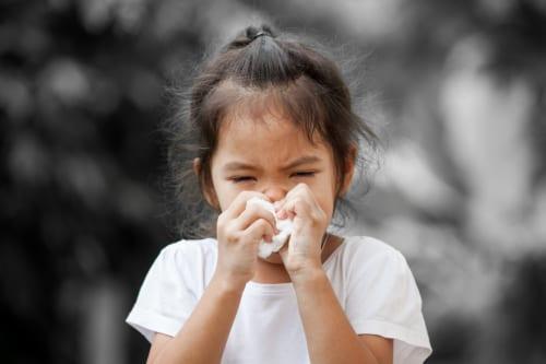 塊 の 口 鼻くそ から 膿栓